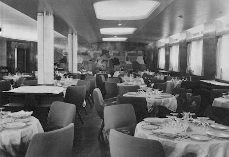 First_Class_Dining_Room.jpg